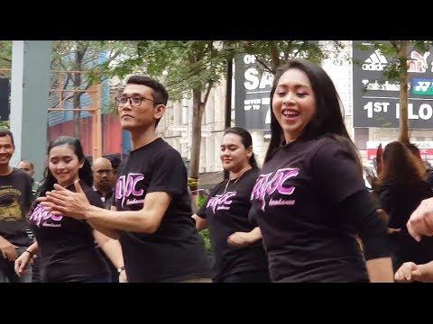 kereta malam-Nurul feat Redeem buskers feat havoc dance,happy dangdut