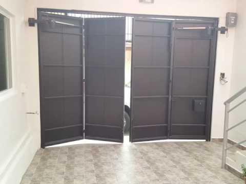 Puerta plegadiza de 4 hojas youtube - Puertas automaticas para cocheras ...