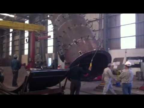 Pressure vessel lifting