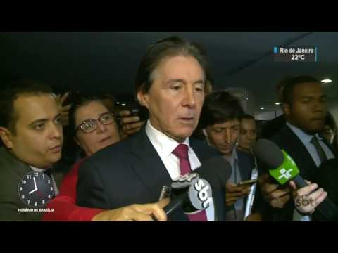 Temer faz apelo para que país não pare após lista de Fachin - SBT Brasil (12/04/17)