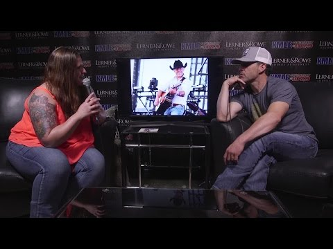 Alana Lynn Interviews Aaron Watson backstage at Country Thunder
