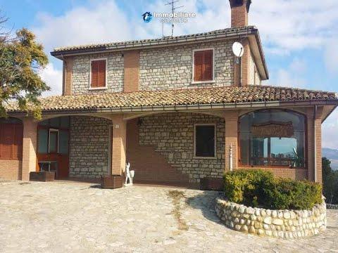 Italian farmhouse for sale in ripabottoni molise youtube for Italian country home plans