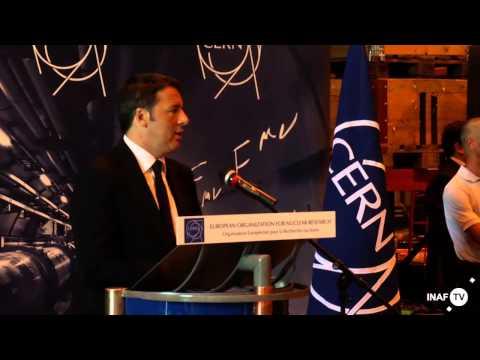 Renzi parla ai giovani ricercatori del CERN