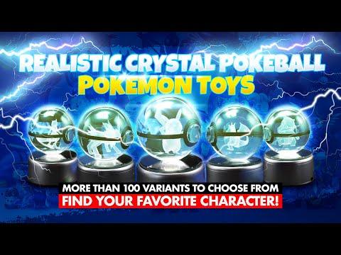 Dai un'occhiata all'interno di quello che sembra una pokeball mettendo le mani su uno di questi Pokemon incisi nel cristallo. La sfera di cristallo incisa al laser mostra un Pokemon in miniatura che prende vita vivacemente una volta acceso il LED.