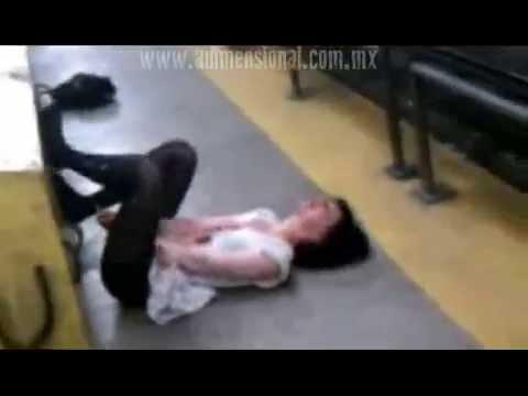 Mujer Poseída en el Metro de San Francisco(Video Paranormal)(Archivo Estados Unidos)