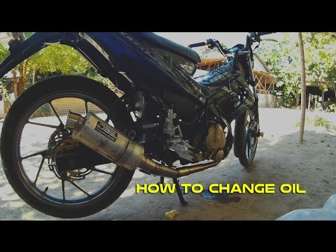 HOW TO CHANGE OIL YOUR MOTORCYCLE - YouTube