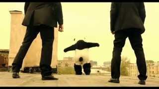 """Паркур-панда)))СМОТРЕТЬ ВСЕМ!!!!!!(фрагмент из фильма""""Подарок с характером"""")"""