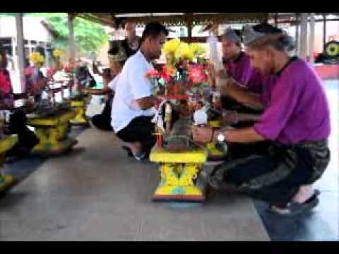 Kertuk - Traditional Malay Music Coconut Husk - Percussion