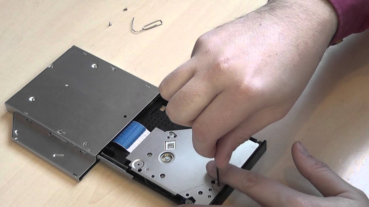 How To Clean Slim Dvd Drive Lens And Laser From Dust Youtube