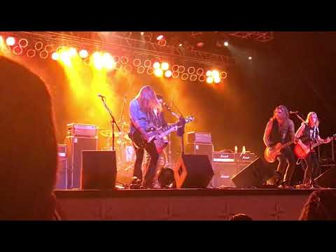 Gene Simmons band Boom Boom John Lee Hooker 8-11-17