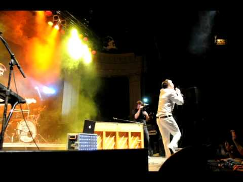 Twenty One Pilots-Ode to Sleep- Live at the Newport 2-19-2011