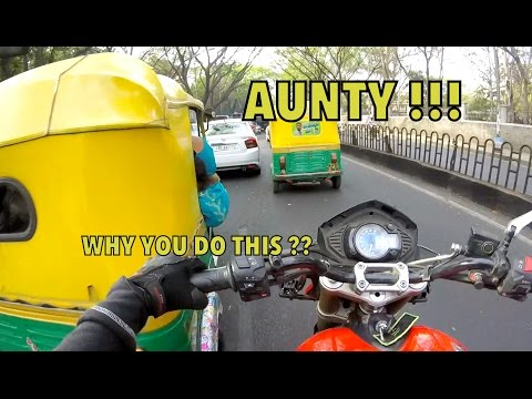 AUNTY!! WHAT THE HELL, KTM RC390 FLYBY : Bangalore reactions 27