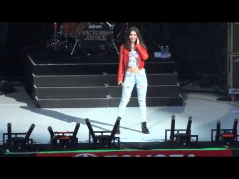 "Victoria Justice - ""Freak the Freak Out"" and ""Beggin' On Your Knees"" (Live in Del Mar 6-22-13)"