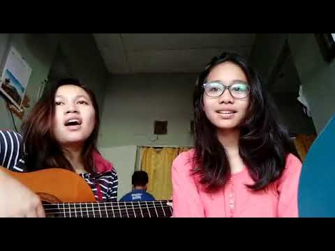Two girl's sing a song is Batak