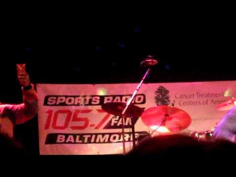 "Vonta Leach Singing ""Achy Breaky Heart"" @ Gridiron Sing Off 2012"