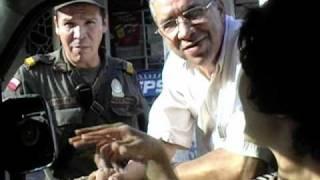 2003年12月31日 団地の入り口には銃を持った警備員がいる。 嫁...