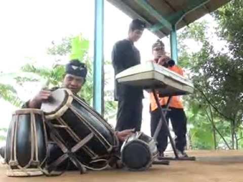 bangbung hideung - instrumen tarompet lagu sunda