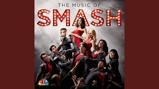 Watch Smash Cast Shake It Out video