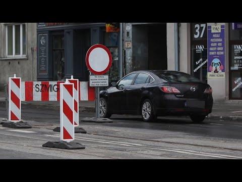 Remont ulicy Warszawskiej i ignorowany zakaz wjazdu