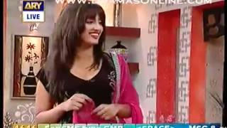 Watch Hot Mathira Dancing in Morning Show