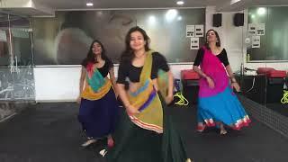 Chogada | Loveratri | Amruta Bhatt | Garba | Fitness | Darshan Raval | Ayush Sharma