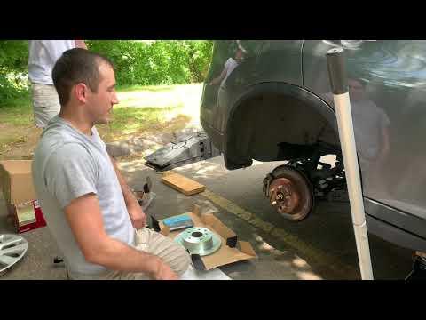 Замена задних дисков и колодок на Nissan Rogue 2015.