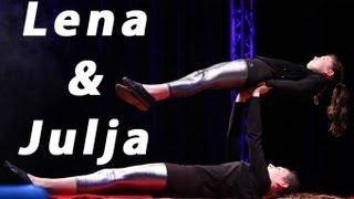 Julia & Lena unser Akrobatik-Duo