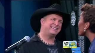 Watch Garth Brooks Mom video