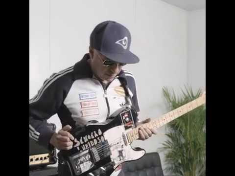 A Guitar Lesson With Tom Morello