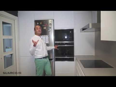 Cocina peque a moderna blanca en l persiana blanca - Cocinas modernas en l ...