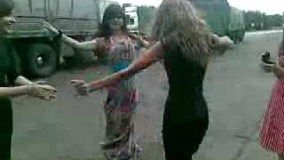 Смотрите и учитесь,как танцуют девушки Кавказа))).flv
