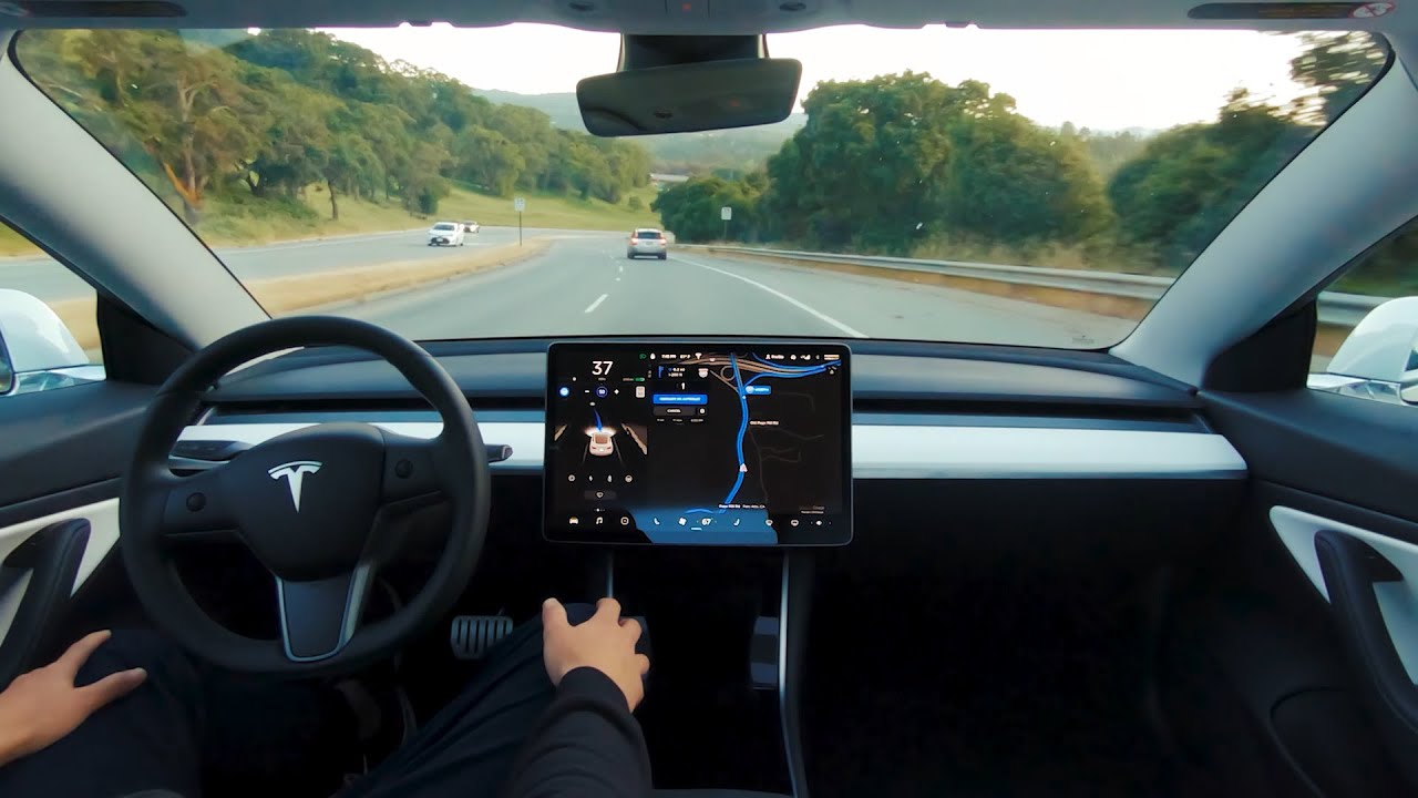 Hasil gambar untuk Tesla self-driving cars use real-time feedback