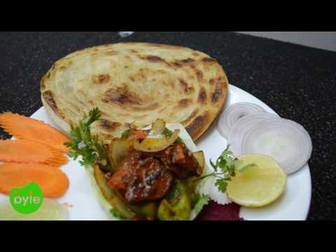 Lachha Paratha with Boneless Chicken Curry | Hyderabad Street Food in Gachibowli