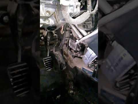 Снятие радиатора печки Рено Меган 2 часть1
