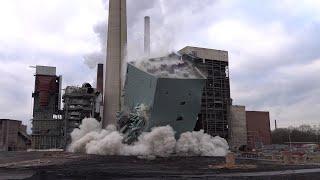 Am 05.02.2021 wurde die rauchgasentstickungsanlage (denox) vom ehemaligen steag-kraftwerk in lünen gesprengt. das bauwerk war ca. 60 meter hoch und 7000 tonn...