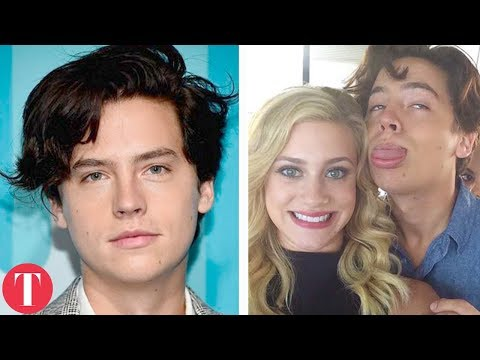 10 On Screen Couples Who Dated IN REAL LIFE (Riverdale, Game Of Thrones, Gossip Girl)