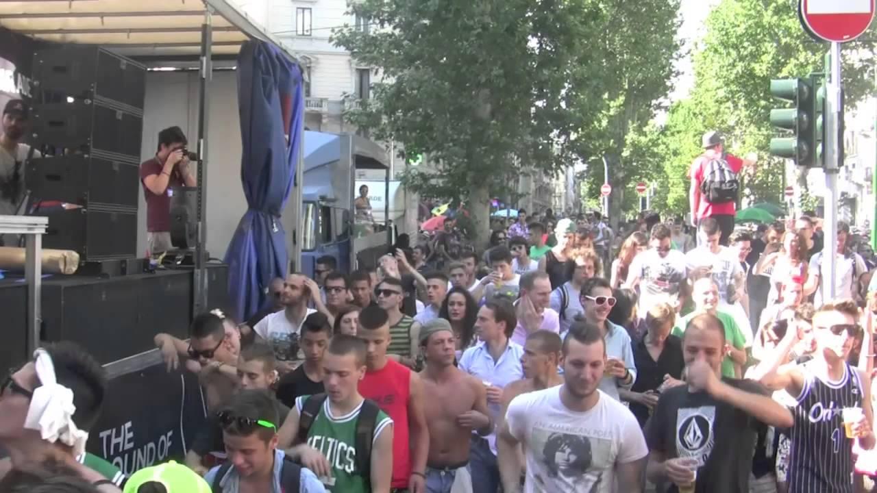 Artes 2013 street parade milano youtube for Design parade milano
