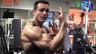 Explosez vos biceps et vos avant-bras avec le curl Zottman