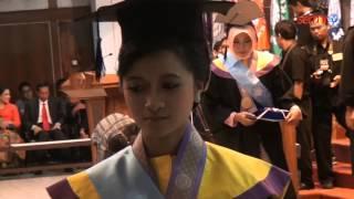 UNS Wisuda 1.471 Lulusan Terbaik Periode II Tahun 2013/2014