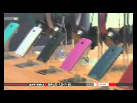 Google sells Motorola phone business to Lenovo