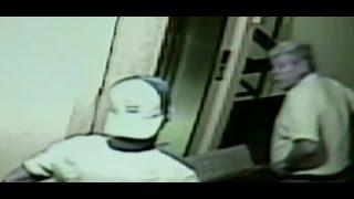 Obrero acusó que vecino lo obligó a bajar de ascensor a la fuerza - CHV Noticias