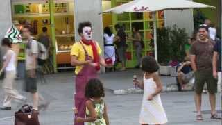 Clown Durilov - vol 4 - Barcelona street laugh attack Documentary Movie
