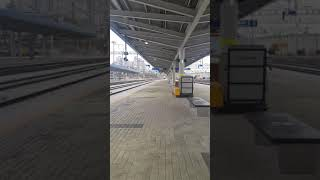 제천역 시멘트류 화물열차 통과