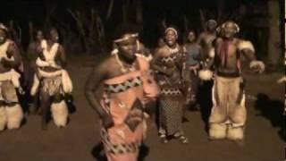 Zuid Afrika - Dansen op de Boma Evening met het Shangaan gezelschap.