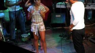 Repeat youtube video Asi baila una cubana