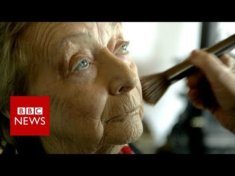 83-year-old Man Takes Makeup Lessons to Help Wife With Bad Eyesight