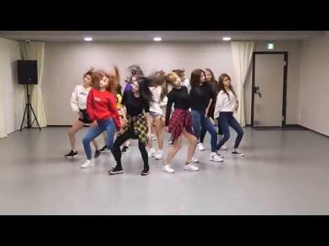IZ*ONE (아이즈원) - 라비앙로즈 (La Vie en Rose) Dance Practice Mirror Ver.