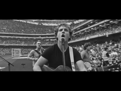 Seo Linn - The Irish Roar - Official FAI Euro 2016 Music Video