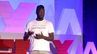 El racismo más allá de Trump | Moha Gerehou | TEDxAlcoi