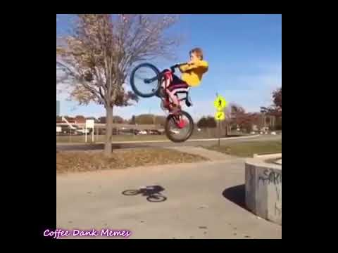 Kid Bike Fail with 'Il mare eterno nella mia anima' on the background